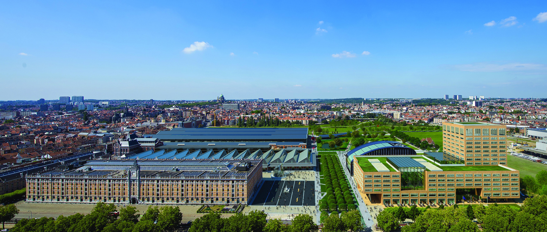 <p>Het gebouw van Neutelings Riedijk Architecten ligt tussen het kanaal (rechts op de foto) en het gebouw dat Cepezed in 2014 voor de dienst Leefmilieu Brussel realiseerde op het Tour &#038; Taxis-terrein aan de Havenlaan Beeld Filip Dujardin / Neutelings Riedijk Architects</p>