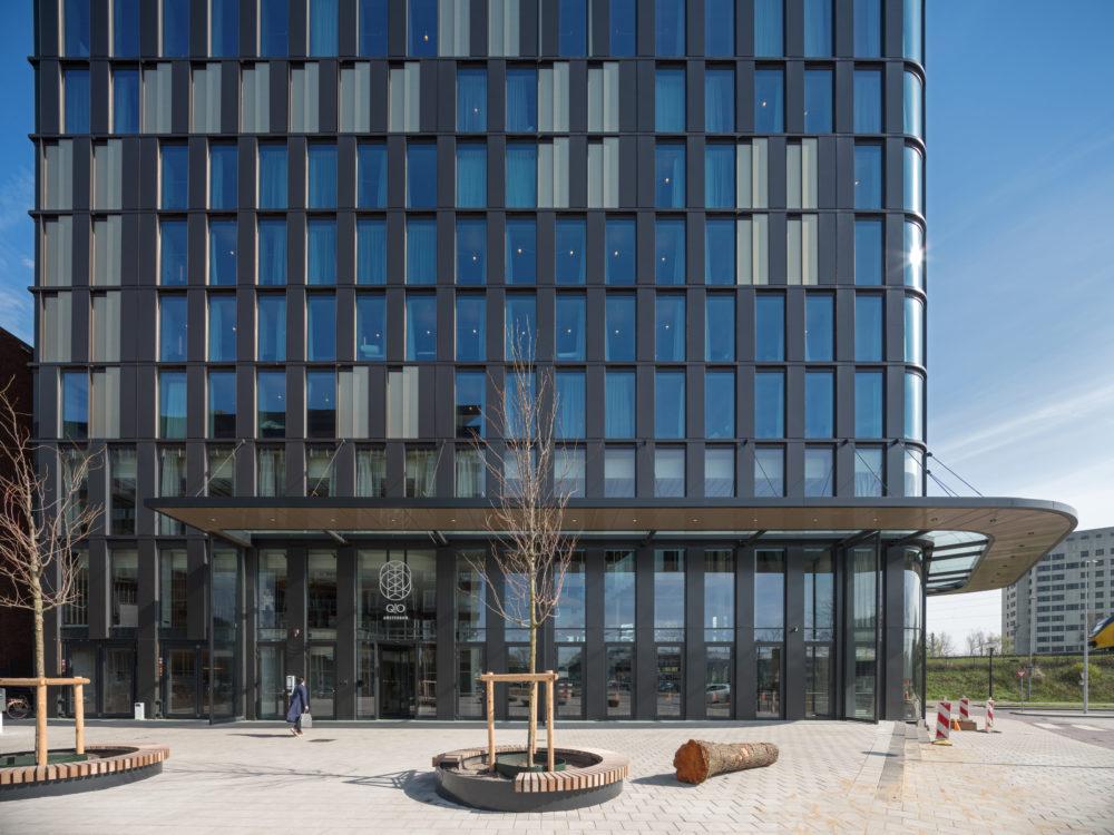 QO Amsterdam door Mulderblauw architecten en Paul de Ruiter architects
