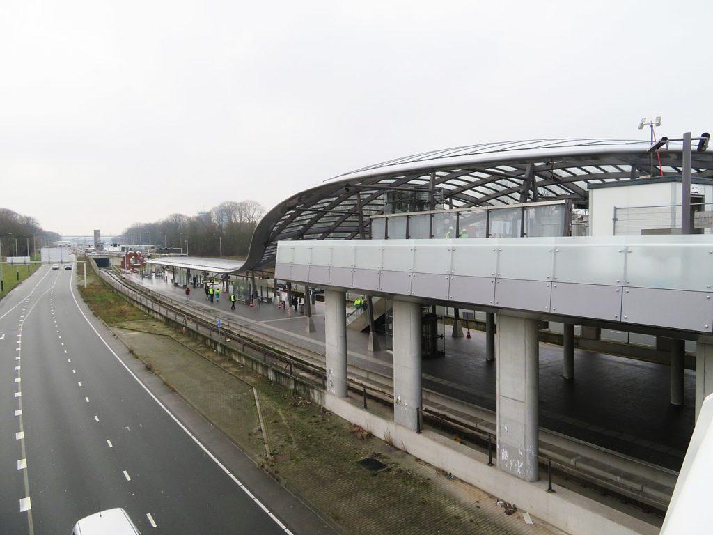 Zicht vanaf het viaduct richting het IJtunneltrace. Beeld: Marion Golsteijn via wikipedia.org
