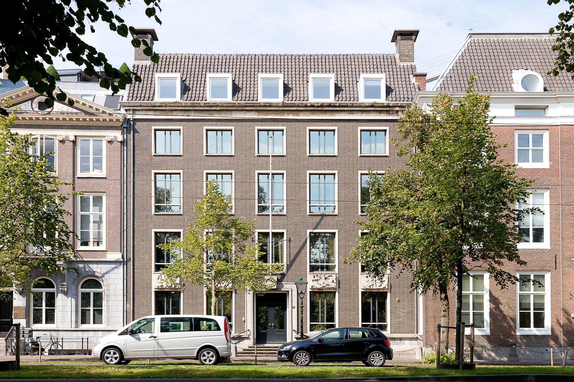 <p>Lange Vijverberg Den Haag</p>