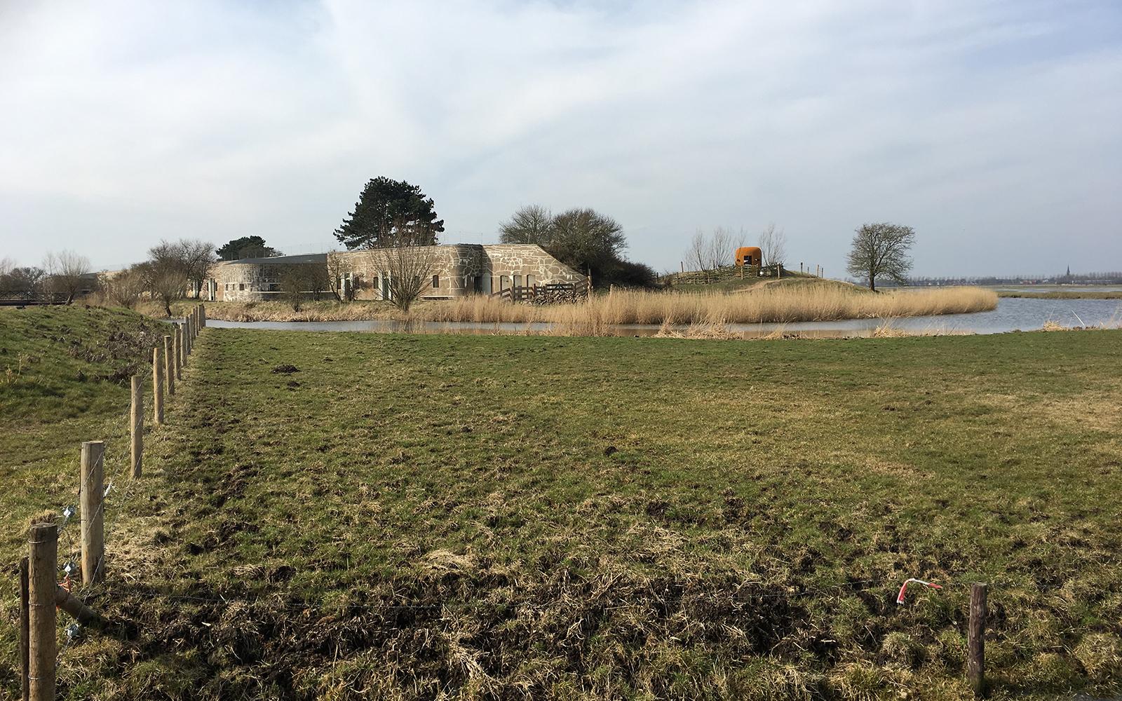 <p>Kijkkoepel, Fort bij Krommeniedijk door BureauVanEig, beeld Allard van der Hoek</p>