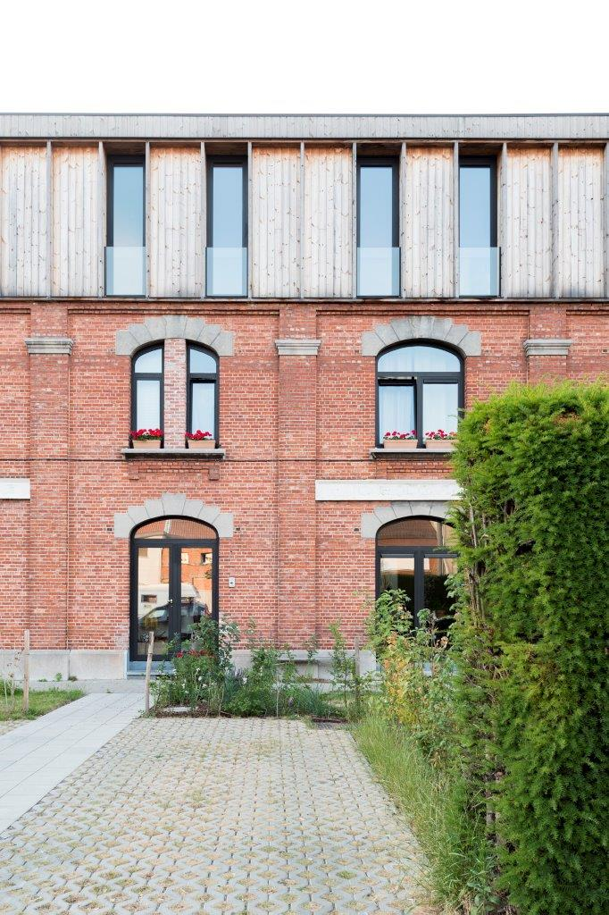 <p>Beeld Jessy van der Werff Cohousing in voormalige rijkswachtkazerne Deurne – Polygoon Architectuur, Jouri De Pelecijn</p>