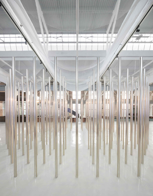 <p>Beeld Marc Goodwin, Re-veil, Changzhi – Superimpose</p>