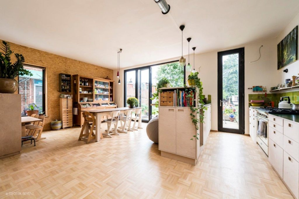 Beeld frederikbeyens Cohousing in voormalige rijkswachtkazerne Deurne - Polygoon Architectuur, Jouri De Pelecijn