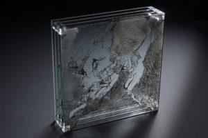 ARC18: Scheidingswand van getekend glas – Antoinette-Art