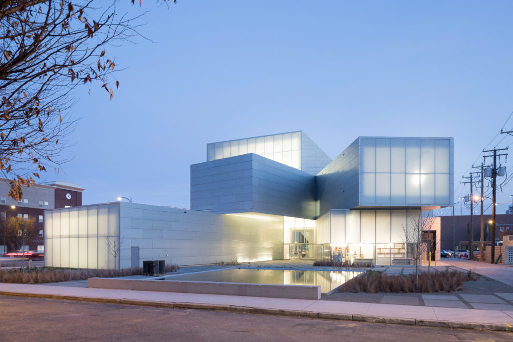 Beeld Iwan Baan. Insitute for Contemporary Art, Richmond (VS) – Steven Holl Architects