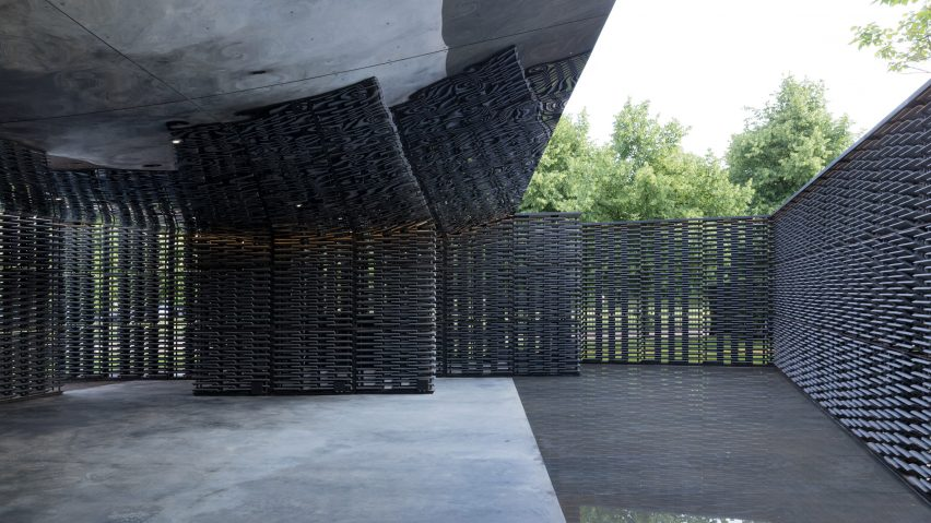 Serpentine Pavilion 2018 door Frida Escobedo opgeleverd