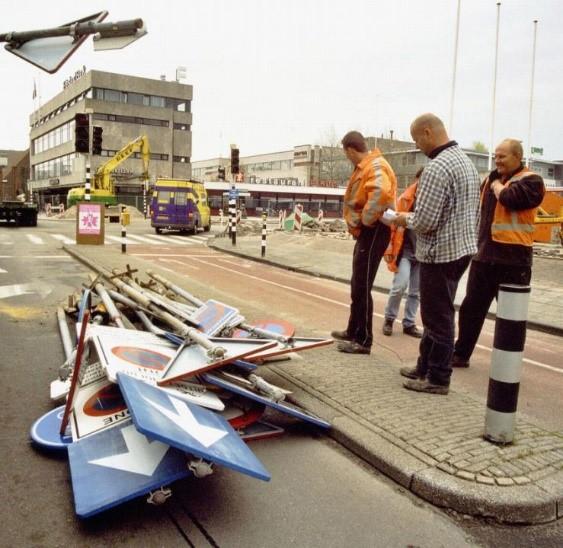Stapel verkeersborden
