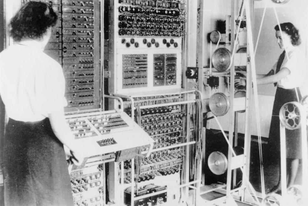 Colossus, een vroege versie van de computer, gebruikt om de Duitse codes te ontcijferen in de Tweede Wereldoorlog