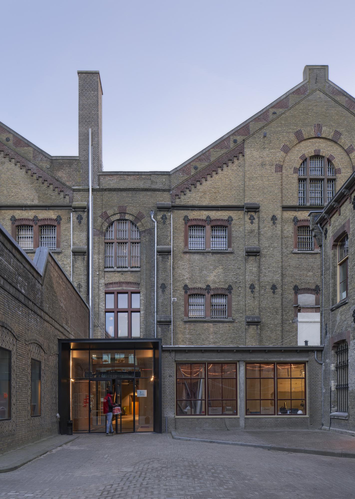 <p>De Blokhuispoort, entree alcovengebouw, foto: Gerard van Beek</p>