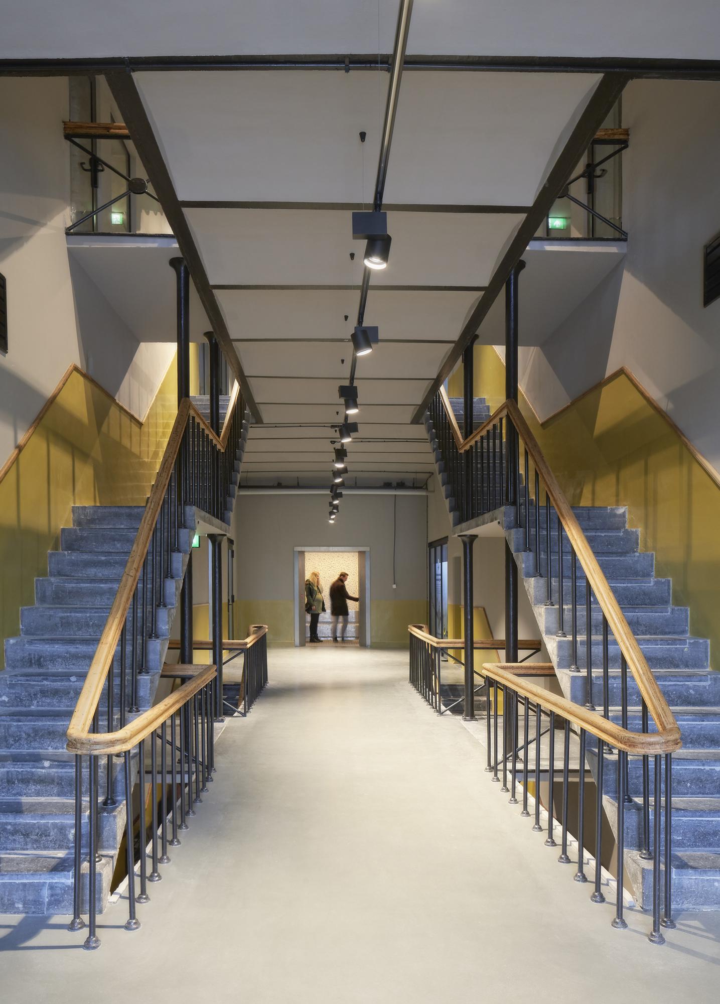 <p>De Blokhuispoort, trappenhuis alcovengebouw, foto: Gerard van Beek</p>