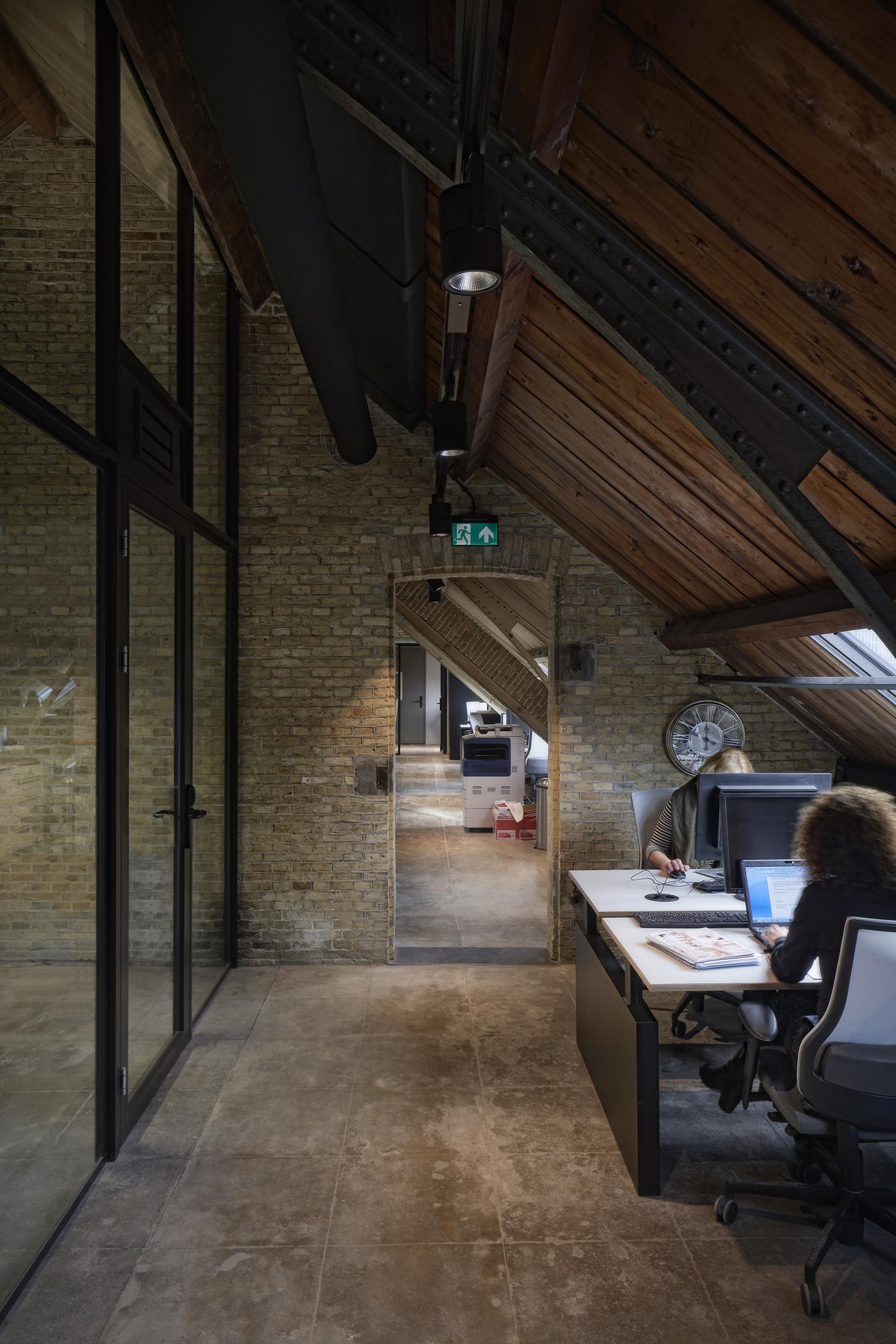 <p>De Blokhuispoort, kantoorruimte, foto: Gerard van Beek</p>