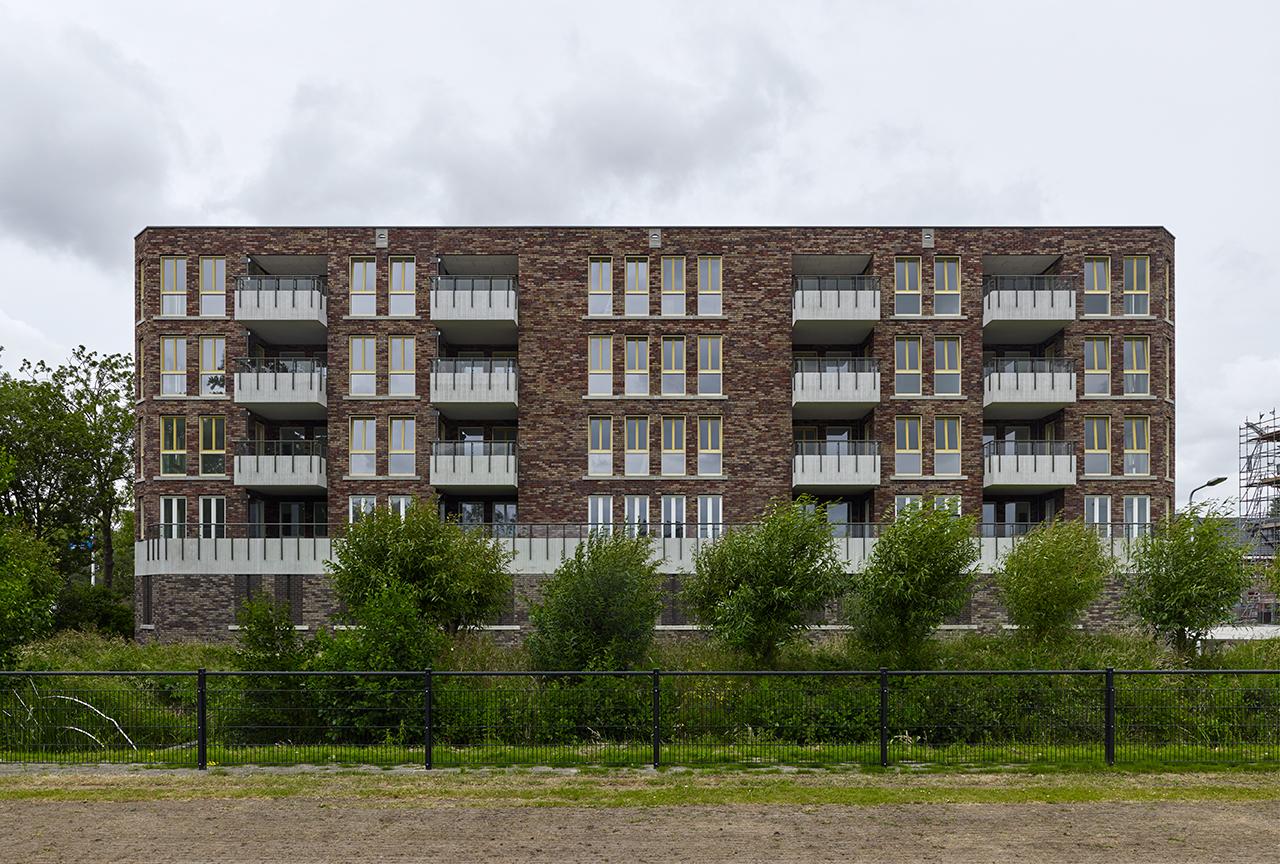 <p>Woningbouw Churchillpark Leiden door Hans van der Heijden Architect, beeld Stefan Müller</p>
