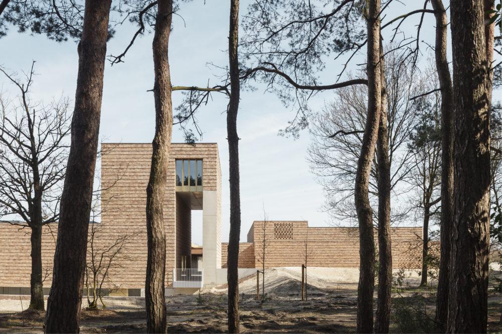 ARC 18: Crematorium, Lommel – a2o architecten