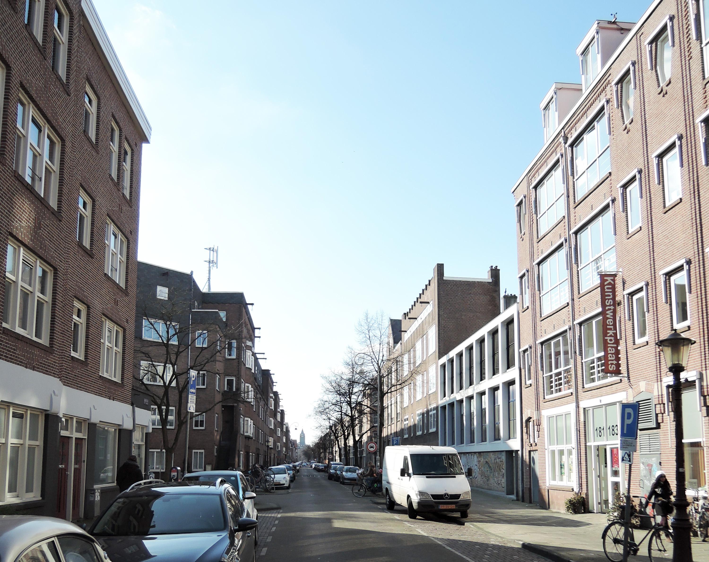 <p>Straatbeeld Lutmastraat 175, Beeld: Atelier PUUUR Furkan Kose</p>