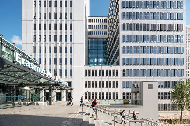 <p>Het Erasmus MC door EGM Architecten. Het bureau wil met hulp van het Oranje Handelsmissiefonds vergelijkbare gebouwen maken in Duitsland en Scandinavië.  Beeld Ossip van Duivenbode</p>