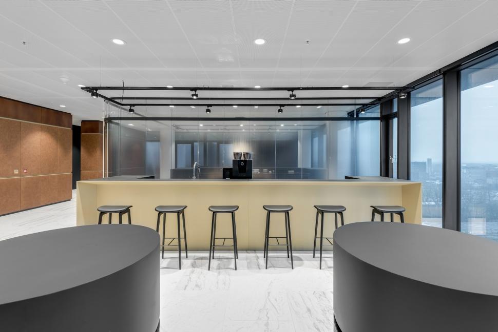 <p>Secundair ontmoetingsgebied op een vergaderverdieping. foto: Ruben Visser</p>