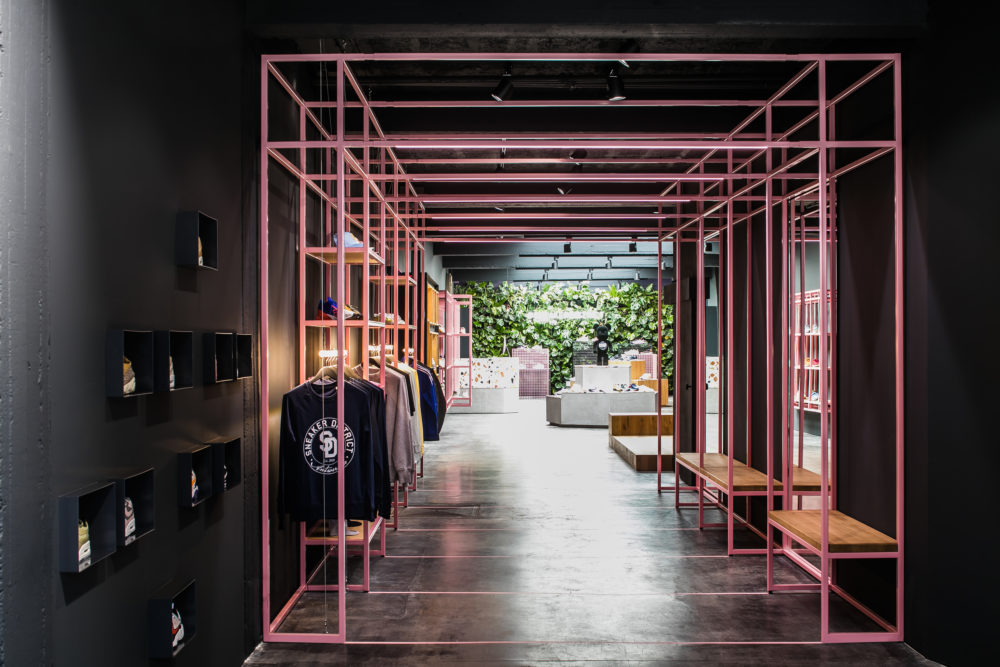 ARC18: Sneaker District Flagship Store Antwerpen – Barde + vanVoltt ...
