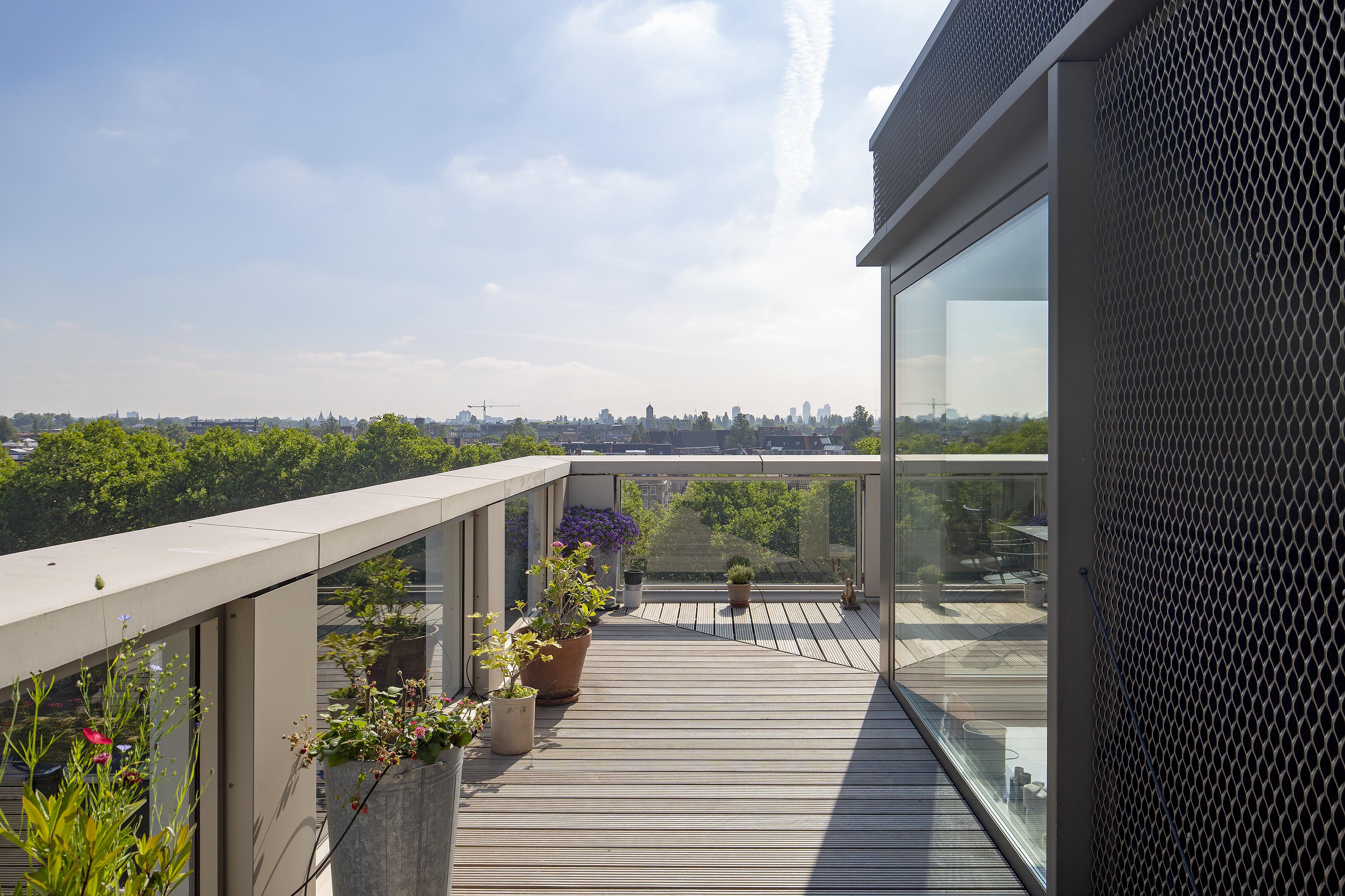 <p>Het Schetsblok penthouse dakterras foto: Luuk Kramer</p>