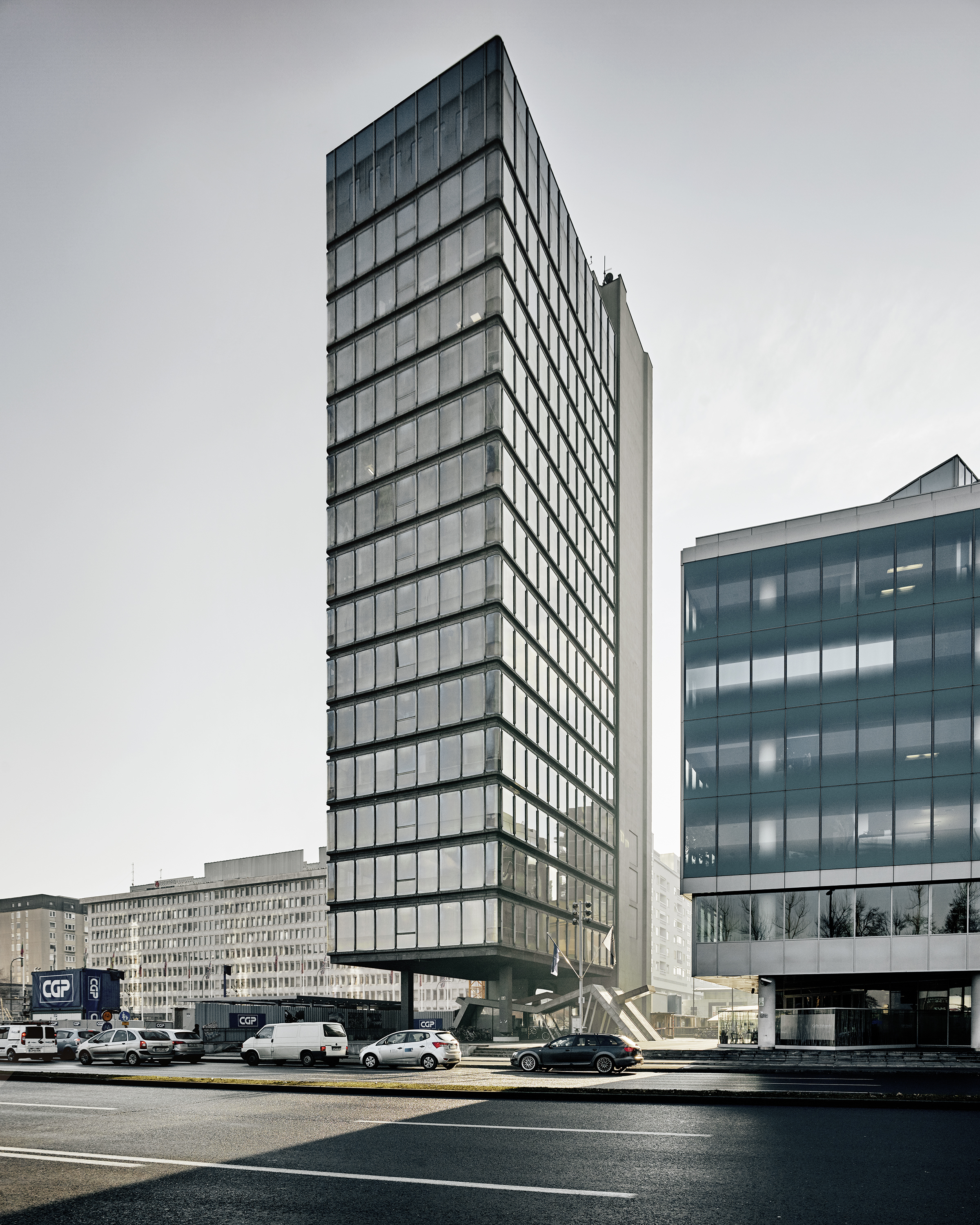 Milan Mihelič. S2 Office Tower. 1972–78. Ljubljana, Slovenië. Foto Valentin Jeck, commissioned by The Museum of Modern Art, 2016