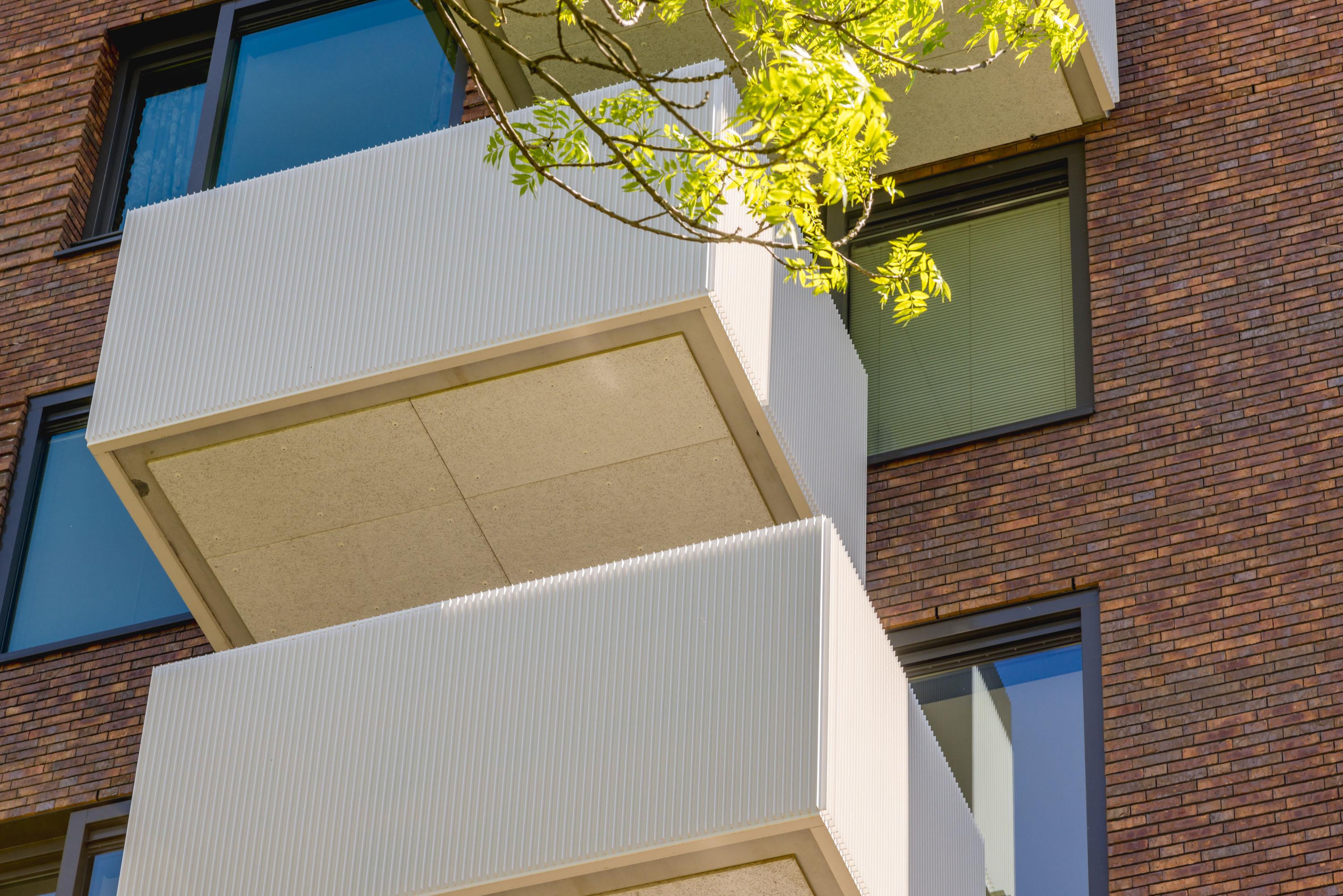 <p>Woon- en zorgcomplex Klaasje Zevenster in Amstelveen / foto: Fedde de Weert</p>