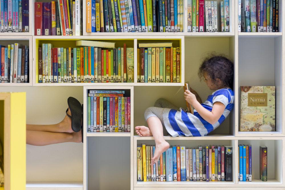 ARC18: Modulaire meubels 8e Montessorischool, Amsterdam – Studio Samira Boon