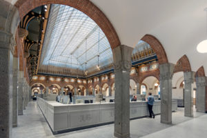 ARC18: Balie publiekslocatie Centrum Stadhuis Rotterdam – deMunnik-deJong architecten + Merk X