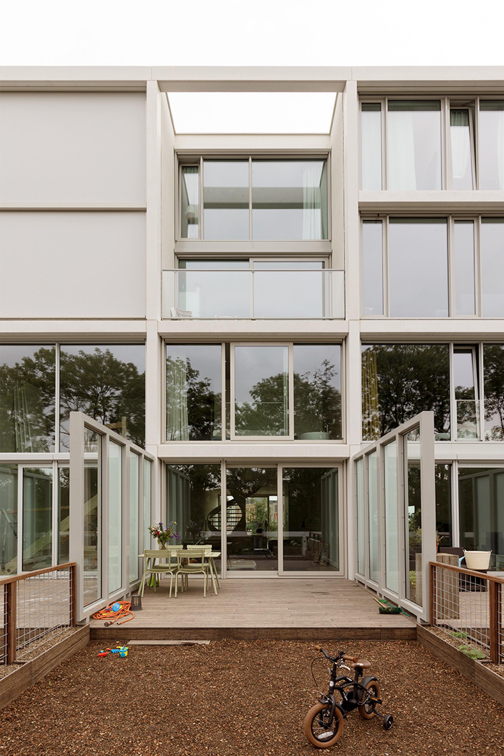 <p>Superlofts Blok Y. Foto: Marcel van der Burg</p>