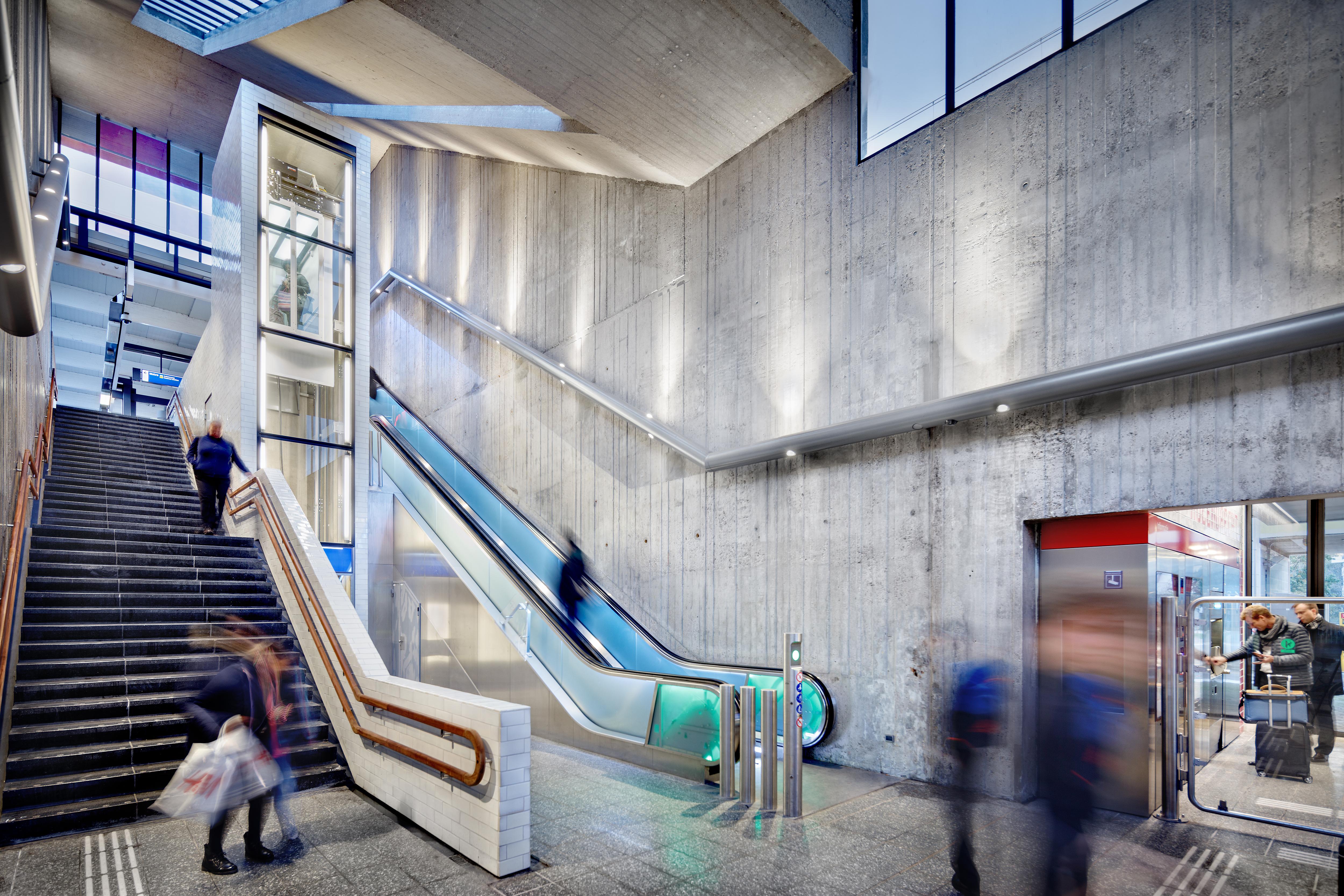 <p>Group A; Station Holendrecht, Amsterdam</p>
