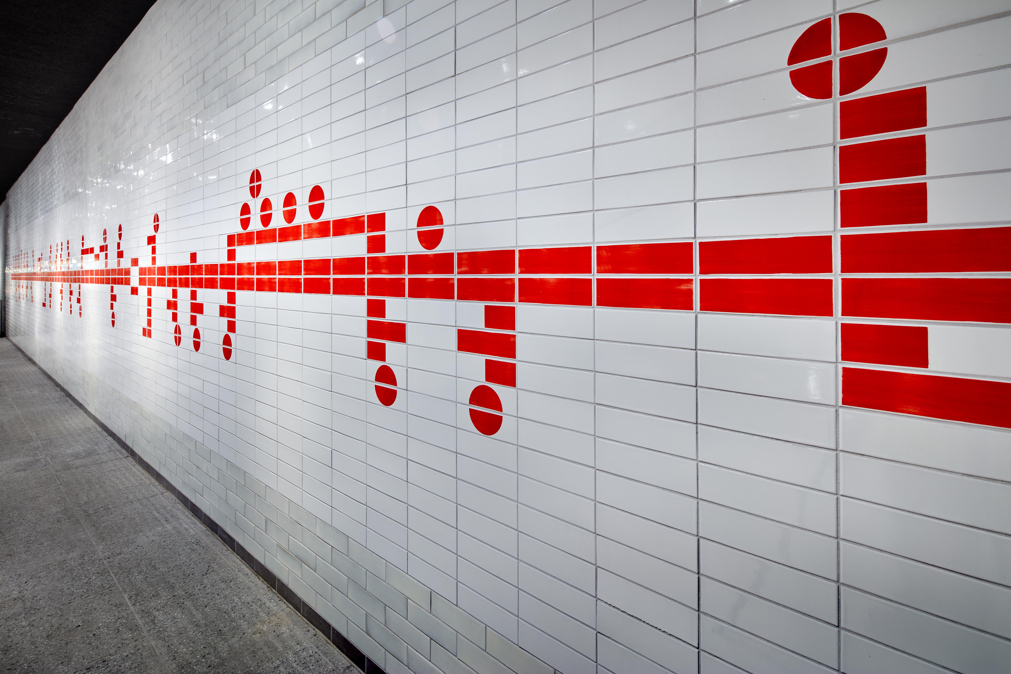 <p>GroupA; Metro Amsterdam Centraal Station; Tegeltableau</p>
