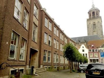 Het voormalig Hegius-Gymnasium aan de Nieuwe Markt in Deventer wordt herbestemd tot EICAS-museum