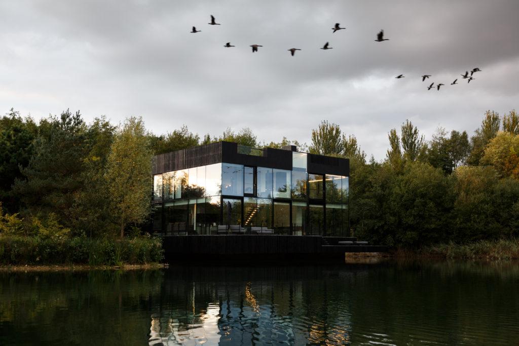 Villa in the Lake, Lechlade (UK) - Mecanoo. Beeld Mariashot.photo