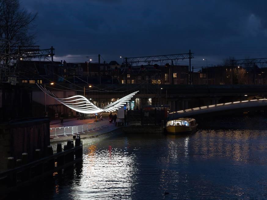 <p>Lichtinstallatie &#8216;Transmission&#8217; voor Amsterdam Light Festival 2018-2019 door Serge Schoemaker Architects, beeld MWA Hart Nibbrig</p>