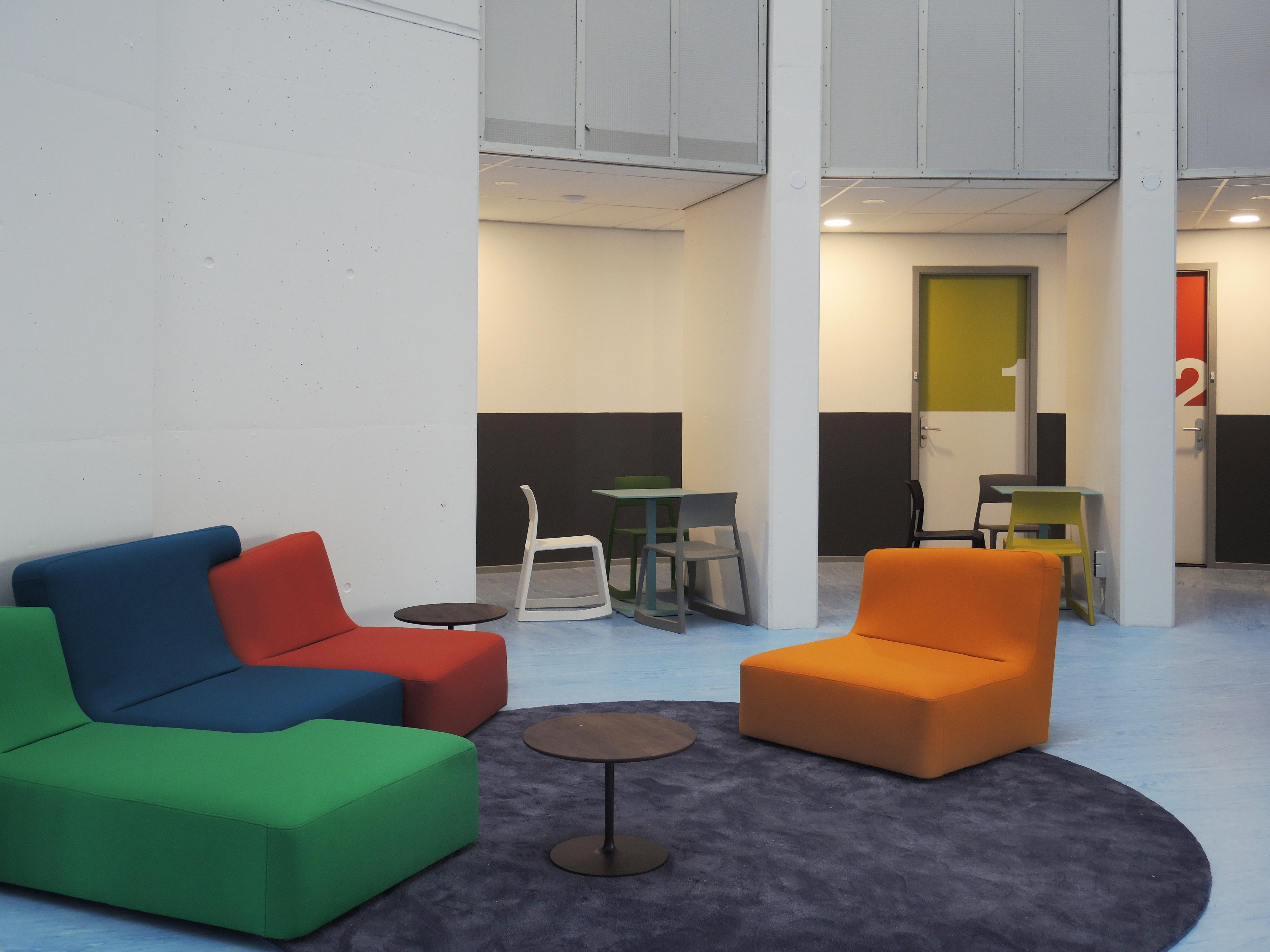 <p>Stille woonkamer in het atrium</p>
