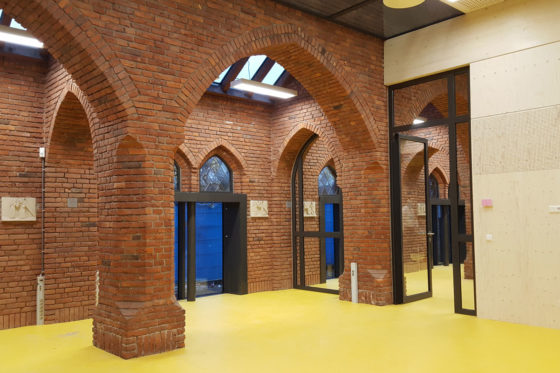samenwijsaccommodatie in monumentale kerk esbeek luijtensmeulders architecten