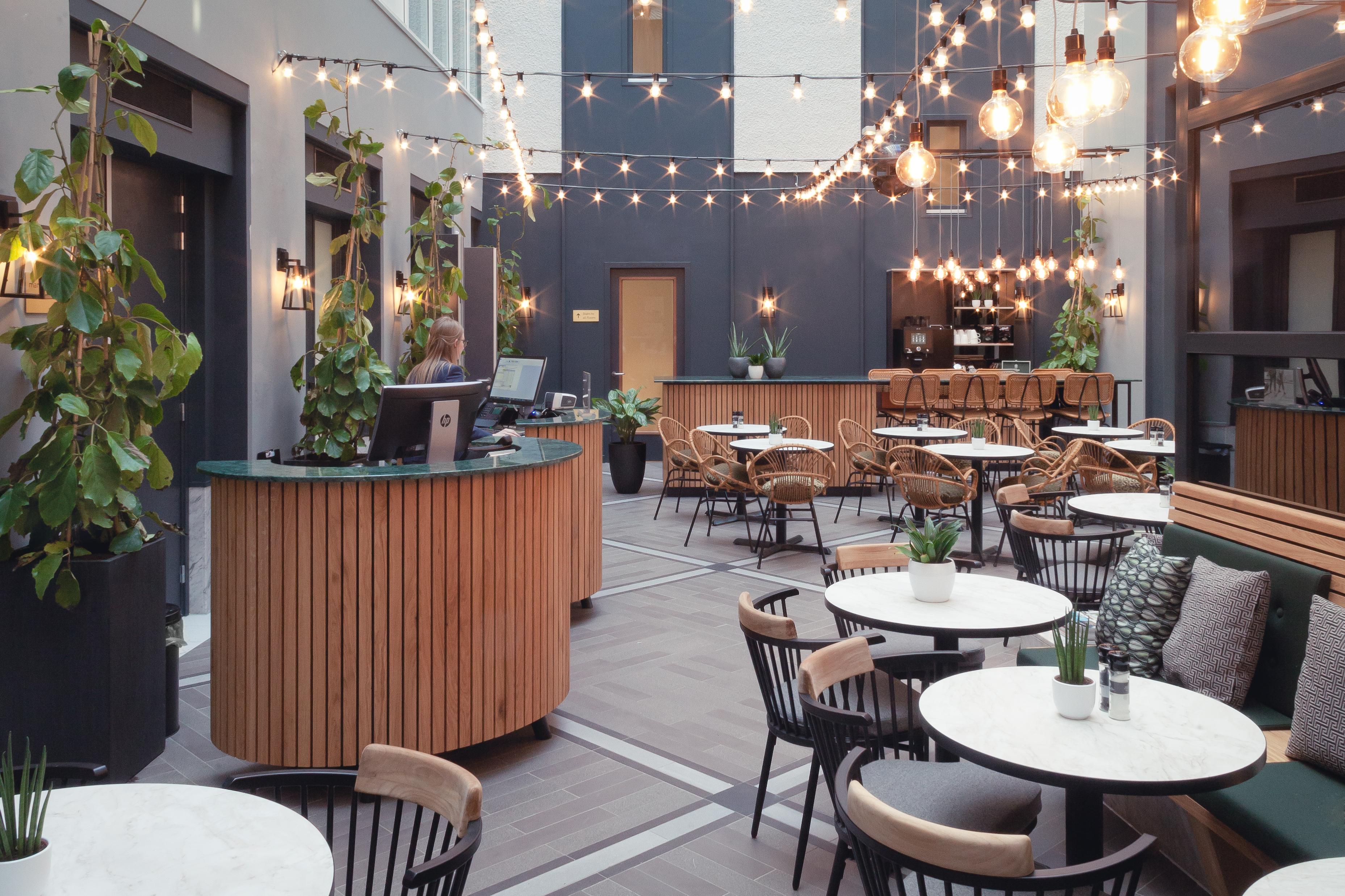 <p>Staybridge Den Haag – Mulderblauw. beeld Muriel Janssen_02</p>