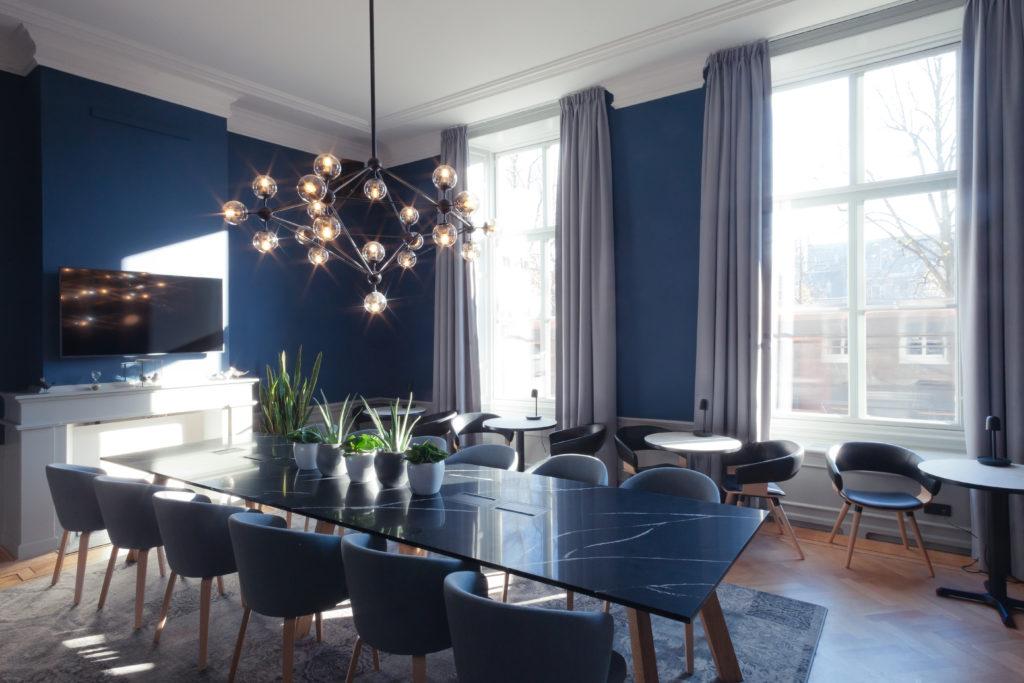 Staybridge Den Haag - Mulderblauw. beeld Muriel Janssen_02