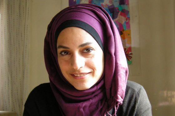 """""""Toen we eenmaal besloten in Homs te blijven, zijn we daar nooit meer op teruggekomen.""""Interview met Marwa Al-Sabouni"""