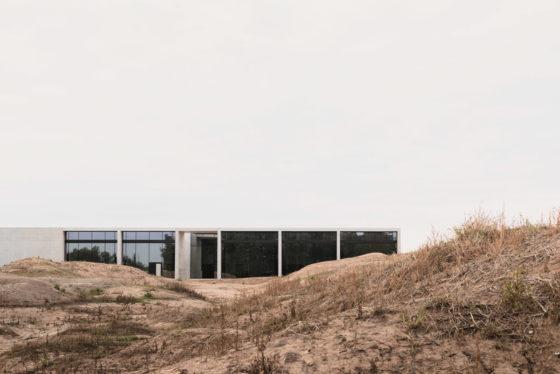 Architectuur van maximale rust – Crematorium Siesegem in Aalst (B) door KAAN Architecten