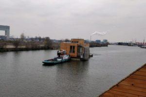 Duurzame drijvende woonwijk Schoonschip nadert voltooiing