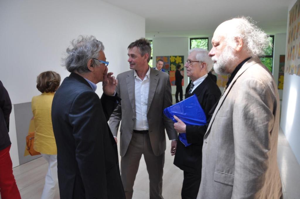 Opening expositie het Museum Dhondt Dhaenens in Deurle in 2013. v.l.n.r. Jan Hoet, Joost Declerck, Charles Vandenhove, Bart Verschaffel