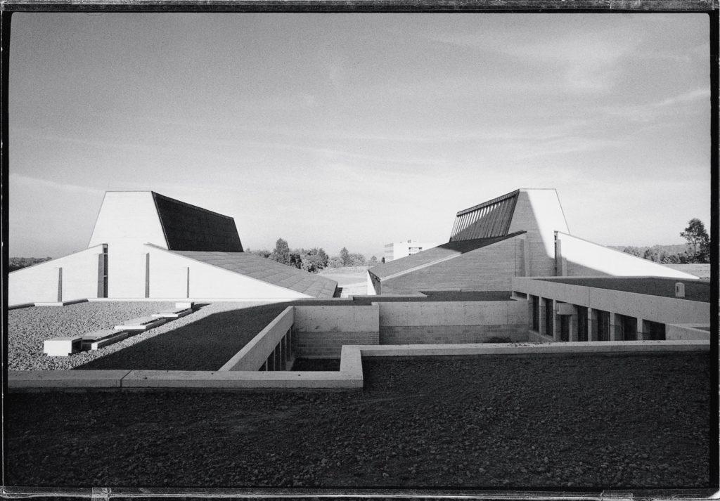Faculteit Lichamelijke Opvoeding (Institut d'Education Physique) 1963-1968 /1972 in Luik door Charles Vandenhove.