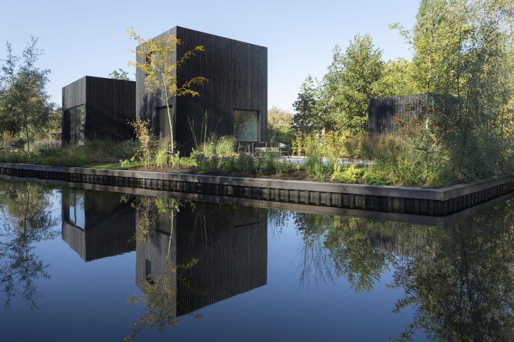 Tiny Holiday Home in Vinkeveen door i29 interior architects en Chris Collaris, beeld Ewout Huibers