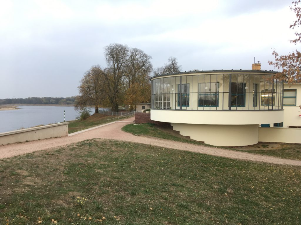 Kornhaus in Dessau door Carl Fieger, beeld Marieke Giele