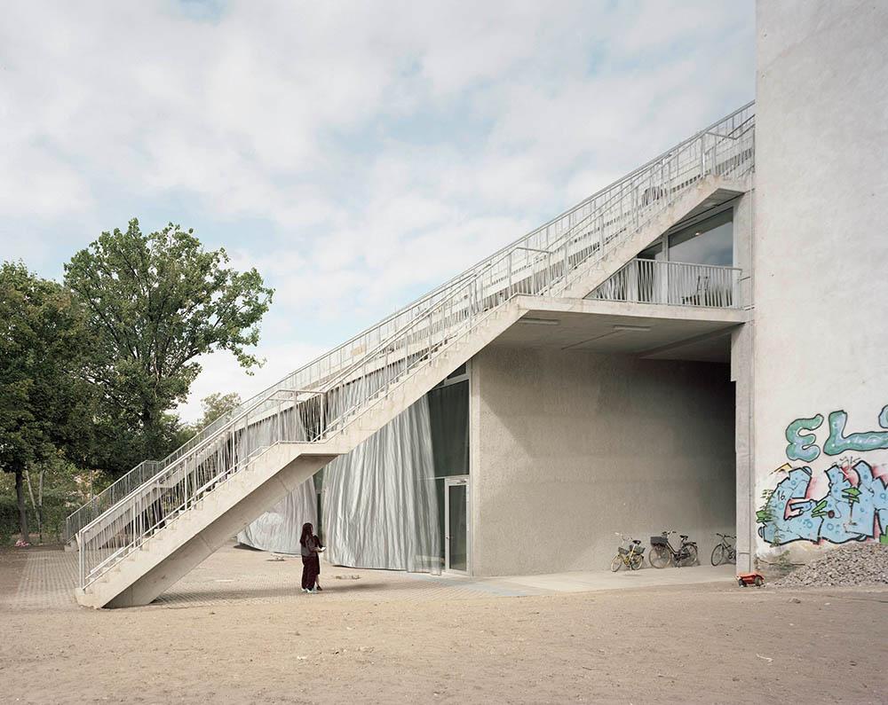 Terrassenhaus in Berlijn (DE) doorBrandlhuber+ Emde, Burlon en Muck Petzet Architekten, beeld Erica Overmeer