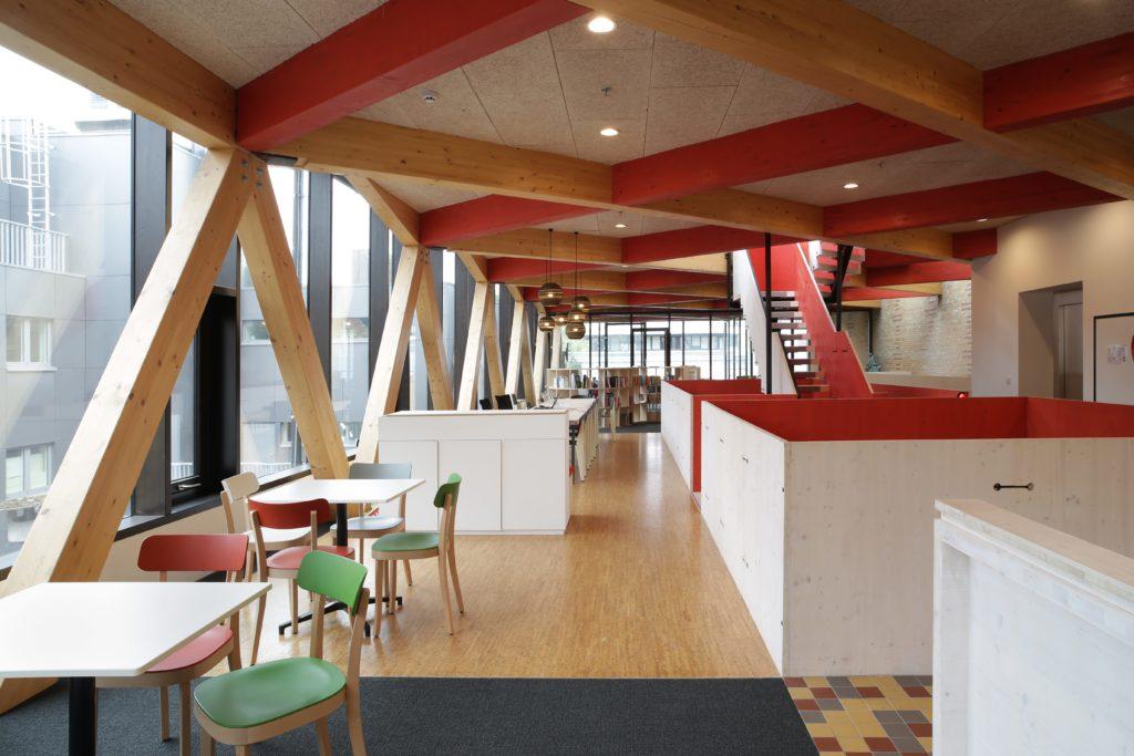 Kunstencentrum Vooruit: renovatie en uitbreiding van het COOP gebouw