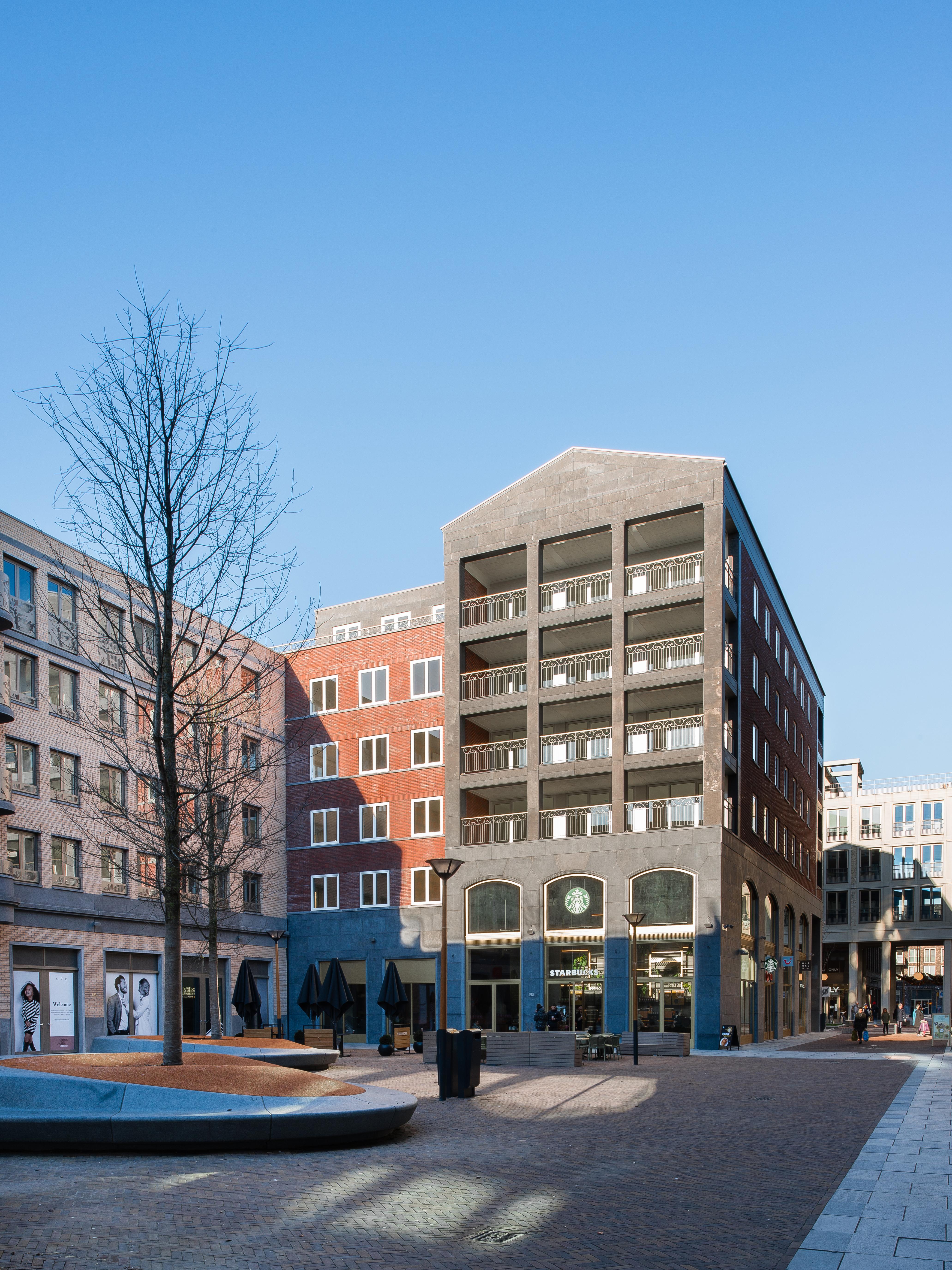 <p>Gebouw aan Hof van Bern, ontwerp Kollhoff &#038; Pols Architecten. Beeld MWA Hart Nibbrig</p>