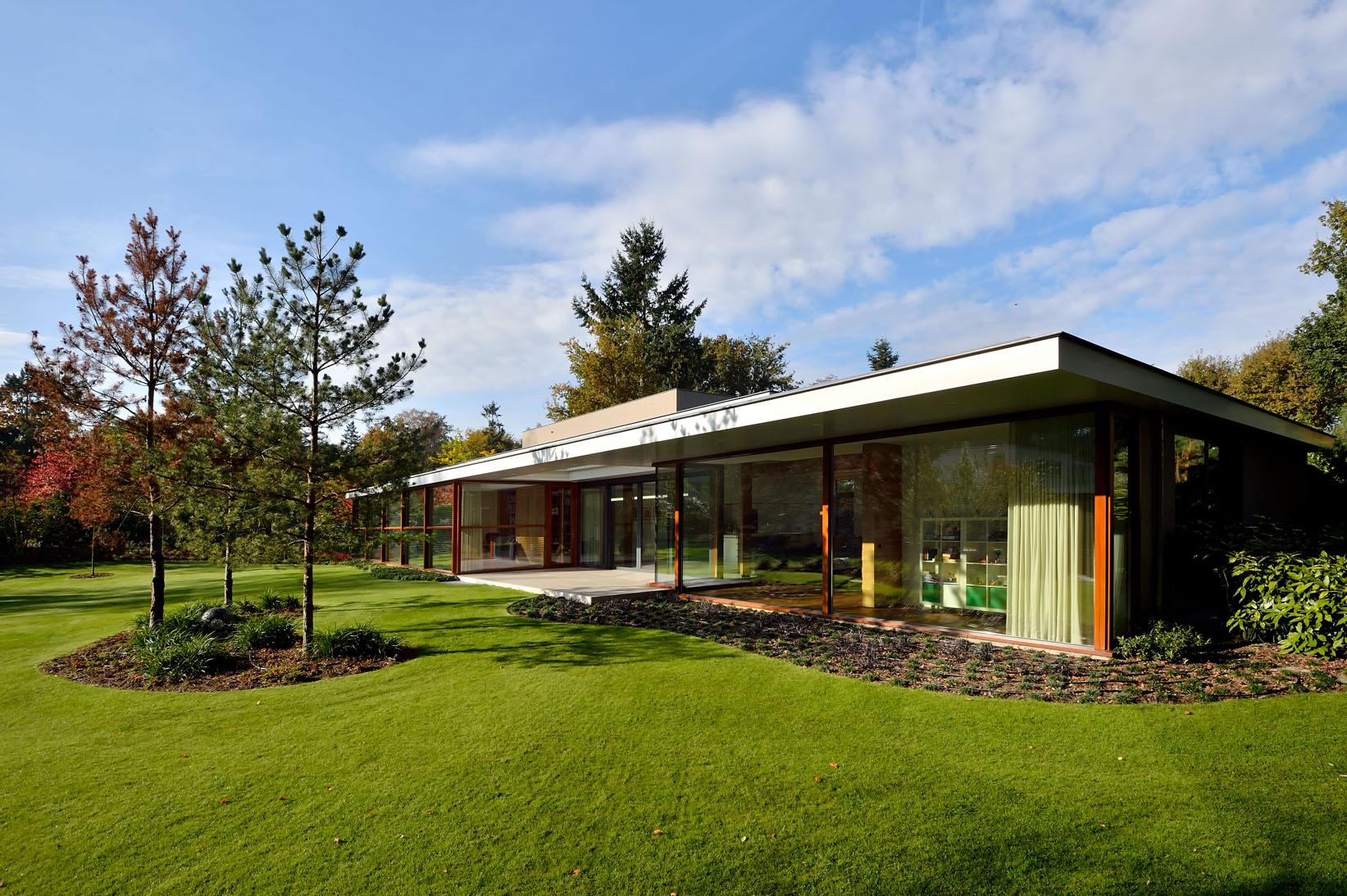 <p>Familiehuis aan de Dommel in Son en Breugel door MAS architectuur en Lies Willers, beeld Mike Bink</p>