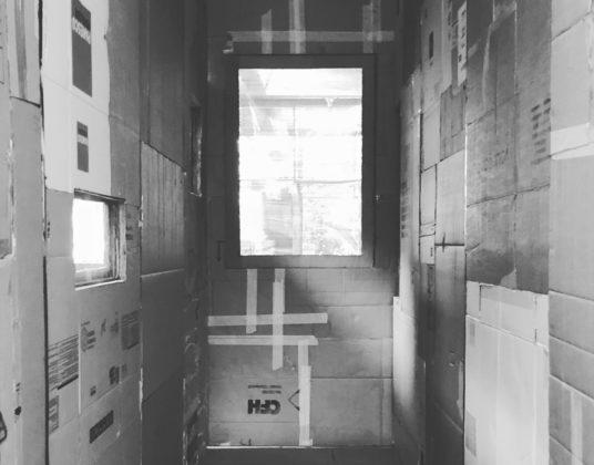 Kartonnen slaapkamers – Patrick Roegiers