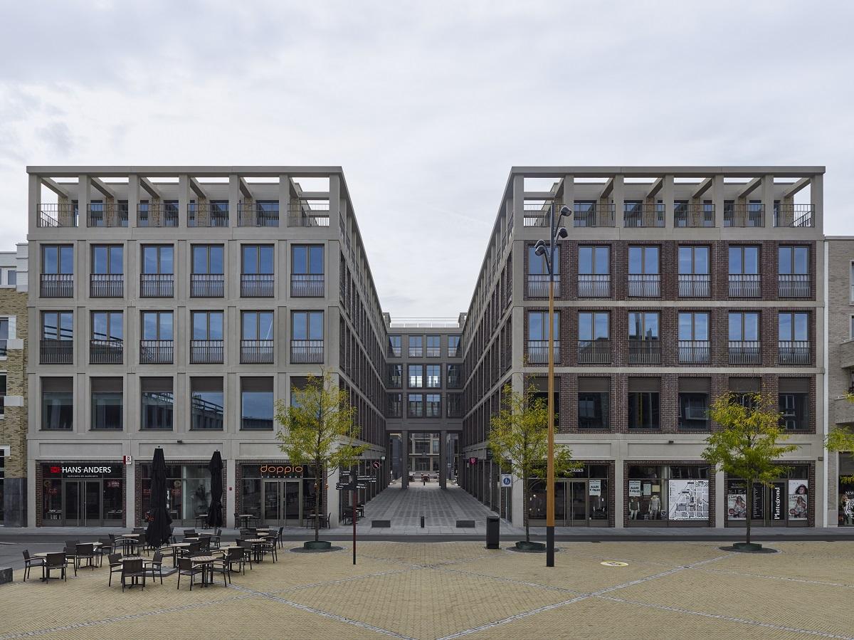 <p>Uffizi gezien vanaf Brusselplein, ontwerp Geurst &#038; Schulze Architecten Beeld Stefan Muller</p>